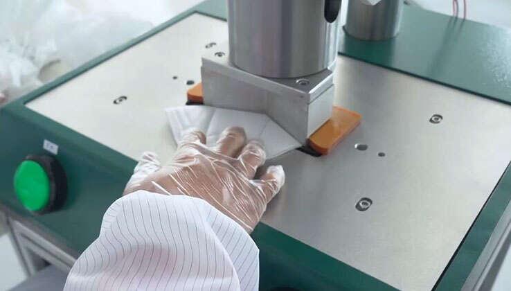 KN95 반자동 엣지 밴딩 머신